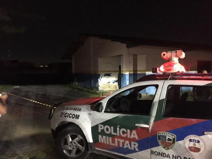 Homem é morto a tiros e facadas em escola pública de Manaus