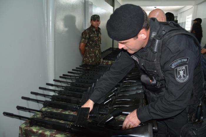 SSP-AM e Exército assinam termo de cessão de fuzis para Forças Estaduais de Segurança