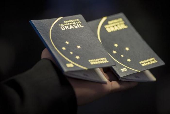 Temer sanciona projeto que libera R$ 102 milhões para emissão de passaportes