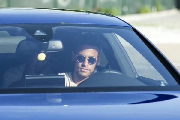Barcelona confirma que Neymar vai deixar o clube