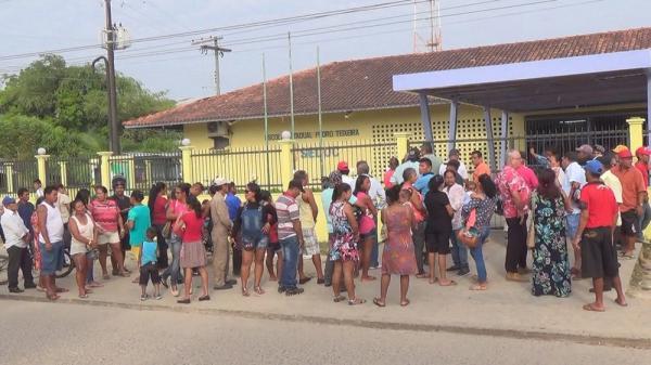Falta de energia e atraso marcam 1º turno da eleição no interior do Amazonas