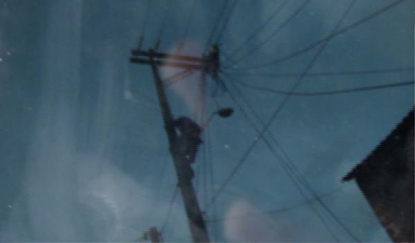 Homem morre eletrocutado em poste de alta tensão, no AM