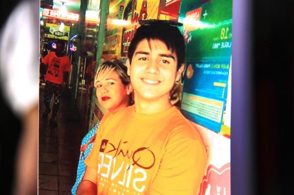 'Estão tentando virar o caso', afirma mãe de adolescente morto em perseguição a assaltantes