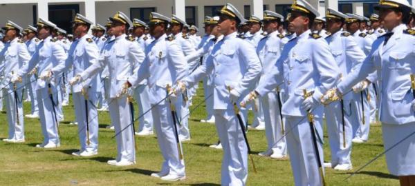 Marinha do Brasil abre concurso para professores com salários de até R$ 9.585