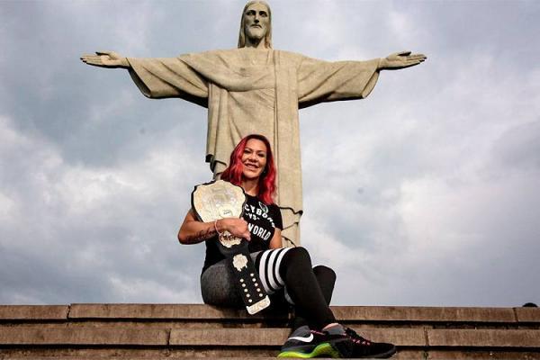 Cyborg visita o Rio e revela que gostaria de enfrentar Ronda 'forte'