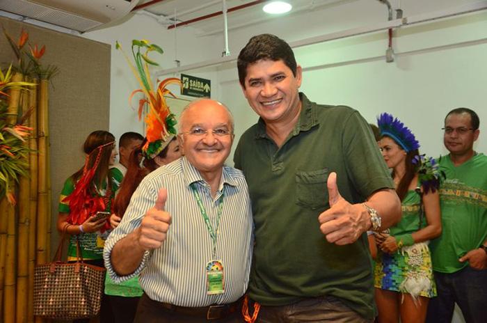 O Governador José Melo (Pros) com o deputado estadual Frank Bi Garcia (PSDB). (Foto: Reprodução/Internet)
