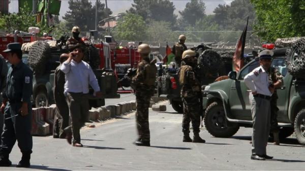 Atentado contra banco perto da embaixada dos EUA deixa 6 mortos em Cabul