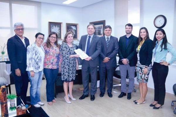 TCE-AM recebe certificado de Qualidade em Auditoria Nacional