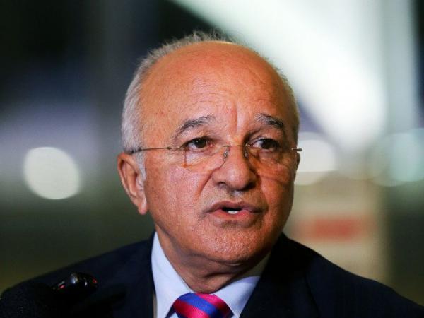 Juiz federal bloqueia bens de Melo por omissão em cuidar do patrimônio público