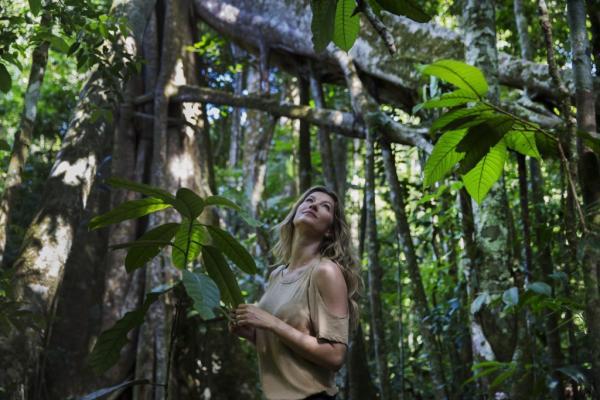 'Quero fazer algo antes que seja tarde', diz Gisele Bündchen sobre Amazônia