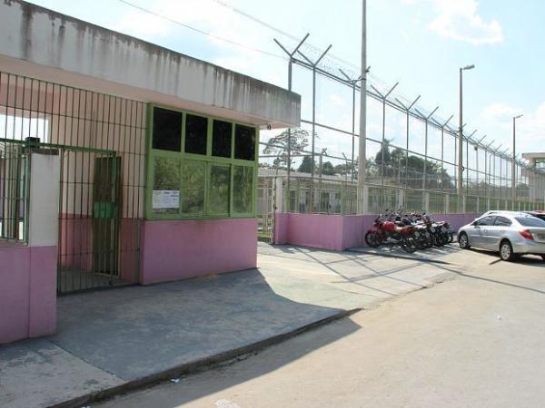 Detentas liberam reféns 3h após início de motim em cadeia feminina da BR-174