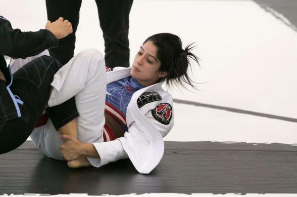 Atleta de Manaus conquista medalha de prata em campeonato de jiu-jitsu nos EUA
