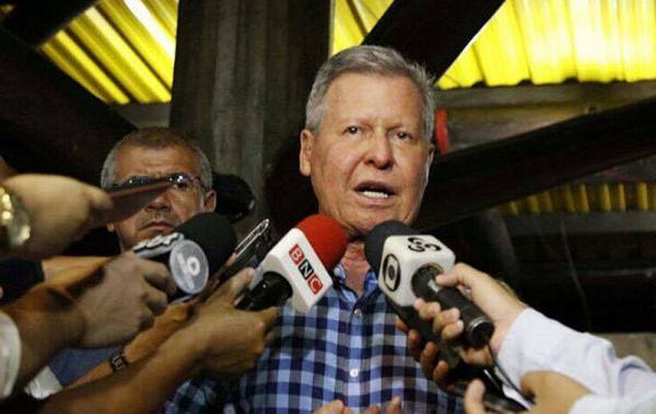Arthur Neto anuncia antecipação salarial e garante segunda parcela do 13°