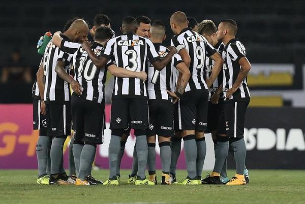 Com gols de Lindoso e Guilherme, Botafogo vence o Santos no Engenhão