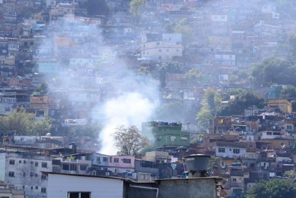 Exército manda 950 homens para fazer cerco à Rocinha