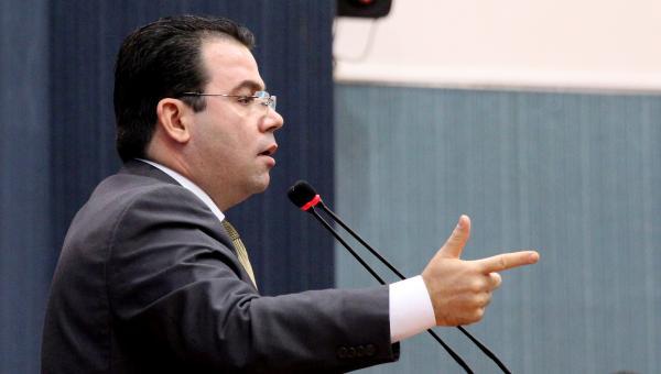 Wilker Barreto destaca empréstimo em prol da infraestrutura de Manaus