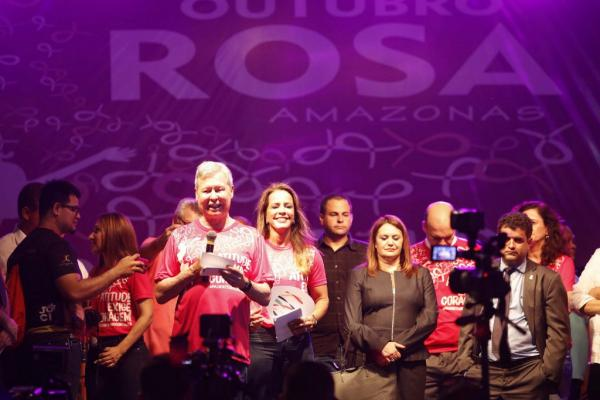 Prefeito e primeira-dama abrem oficialmente a programação do Outubro Rosa em Manaus