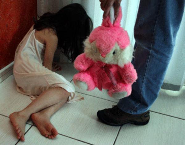 Menina de 10 anos, filha de cabo da PM, é abusada em Shopping na Zona Norte