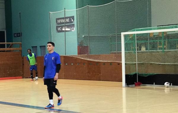 Goleiro de futsal amazonense brilha na Suíça e sonha com seleção