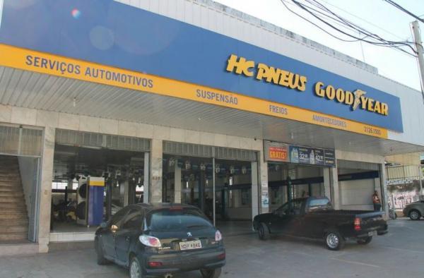 Trio armado rouba R$ 8 mil em espécie de loja de pneus da avenida Constantino Nery