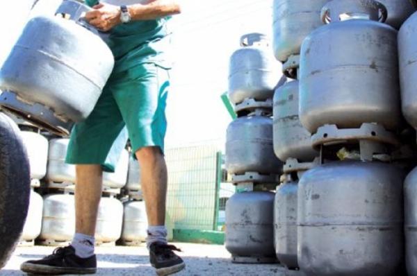 Botija de gás de cozinha de 13 kg pode chegar a R$ 71 em Manaus a partir desta quarta (11)