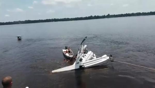 Avião do Greenpeace cai em Anavilhanas e deixa 1 morto e 4 feridos