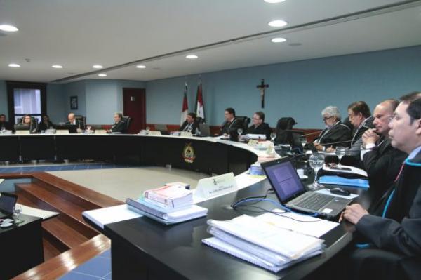 TCE-AM decide sobre RDAs do município de Manaus