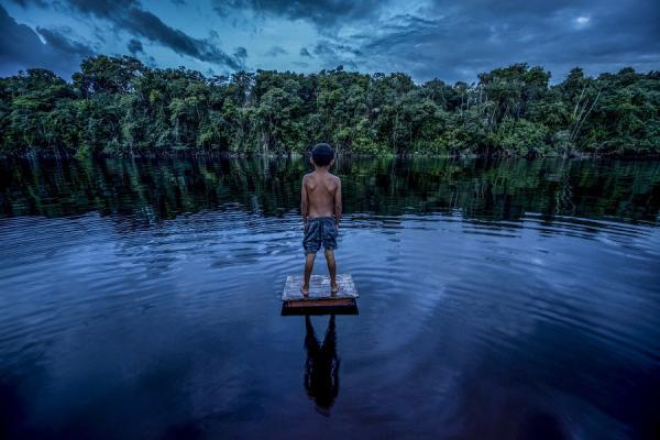 Exposição 'Amazone-se' reúne registros do fotógrafo Alex Pazuello pelo Amazonas