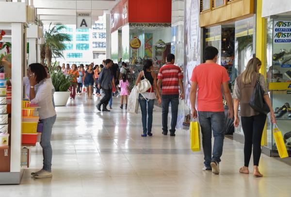 Consumidor brasileiro estima inflação de 6,4% nos próximos 12 meses