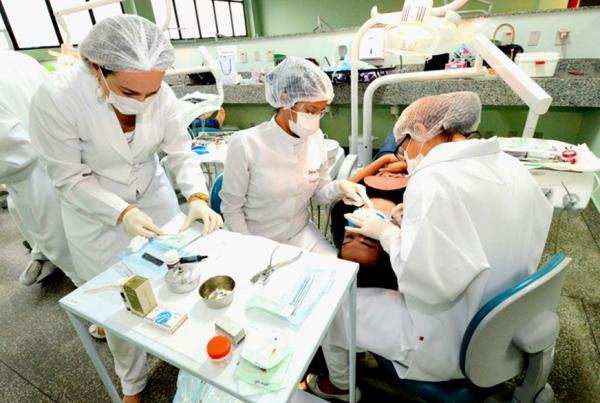 Policlínica da UEA oferece 200 vagas para triagem de cirurgia bucal neste sábado (28)