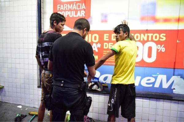 SSP proíbe atividade de limpador de vidros em Manaus