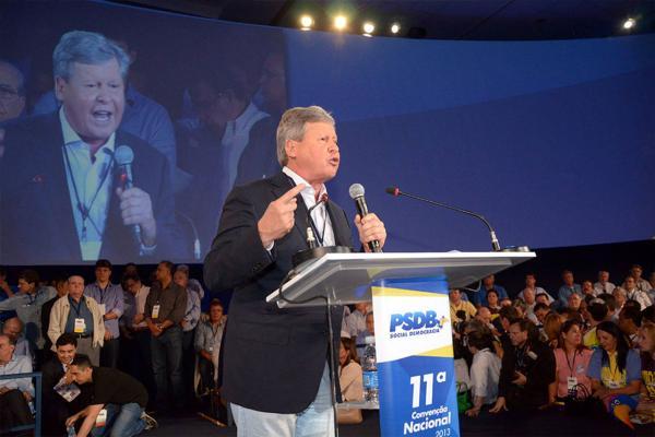Arthur Virgílio questiona presidência do PSDB a Alckmin