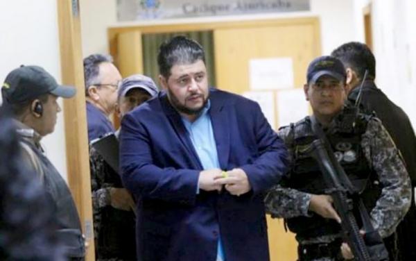 Médico Mouhamad Mostafa sai da prisão por determinação da Justiça
