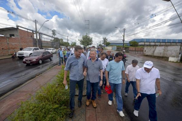 Prefeitura de Manaus lança pacote de recapeamento noturno