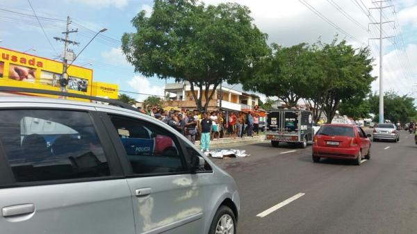 Pedestre morre após ser atropelado por motocicleta, na Zona Leste de Manaus