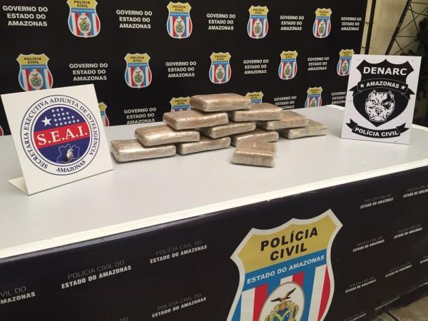 Polícia apreende mala com 11kg de droga em barco no Porto de Manaus