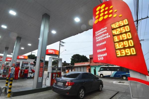 Preço idêntico da gasolina em postos de Manaus leva a pedido de investigação no MPF