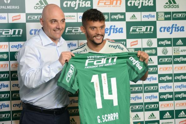 Scarpa é apresentado no Palmeiras e evita brincar sobre