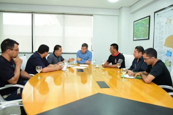 Vice-governador, Bosco Saraiva, reúne com servidores da saúde para ouvir reivindicações
