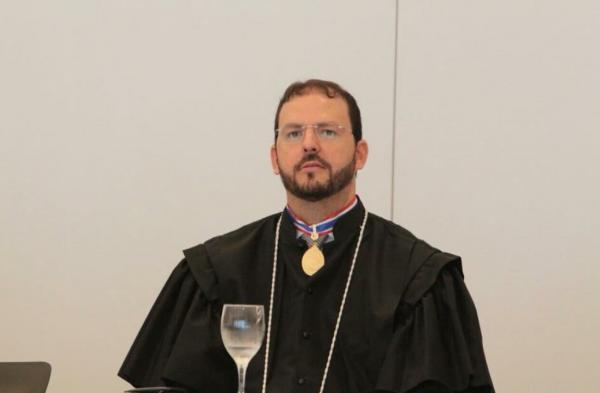 Felipe Thury receberá Medalha e Diploma do Mérito Judiciário no TJAM