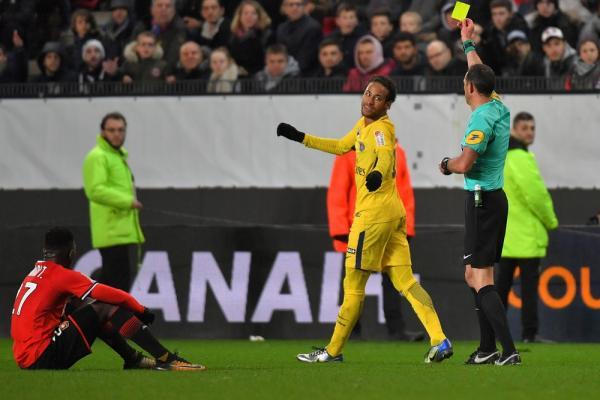 Após Neymar se defender de provocações, Rennes rebate e lembra lesão na partida