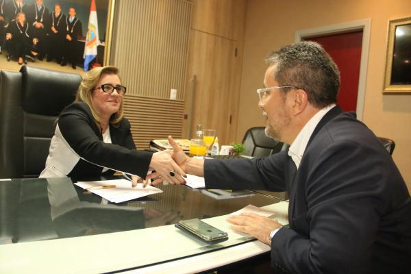 TCE e UEA se unem para ampliar auditorias ambientais