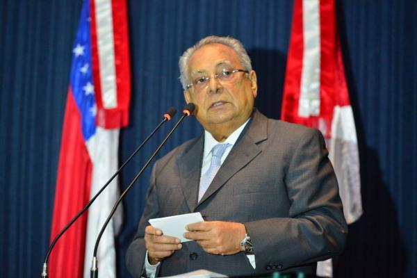 Amazonino anuncia chamada de aprovados de concurso de 2014 da Susam