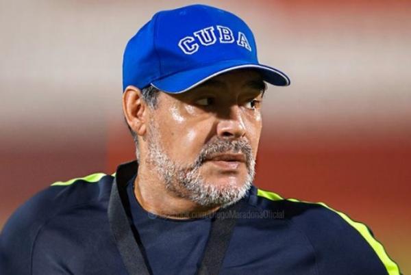 Maradona tem visto negado para ir aos Estados Unidos após insultar Trump