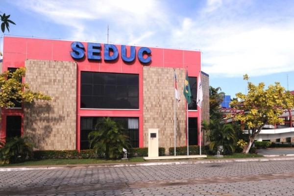 Seduc abre vagas para alunos surdos e surdos-cegos para escola em Manaus