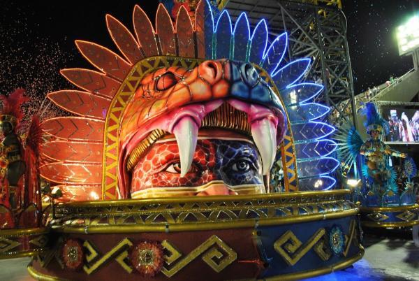 Bois de Parintins são homenageados no carnaval do Rio