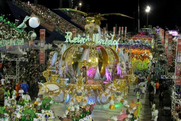 Reino Unido da Liberdade leva título 2018 e se torna tricampeã do Carnaval de Manaus