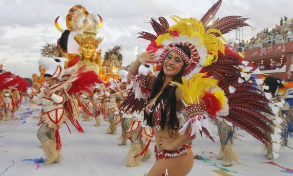 Cunhã poranga do Garantido é eleita uma das musas do Carnaval do Rio