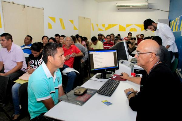 Sine Manaus seleciona candidatos para 140 vagas de emprego