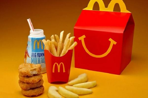 McDonald's decide reduzir calorias do McLanche Feliz cortando ingredientes prejudiciais